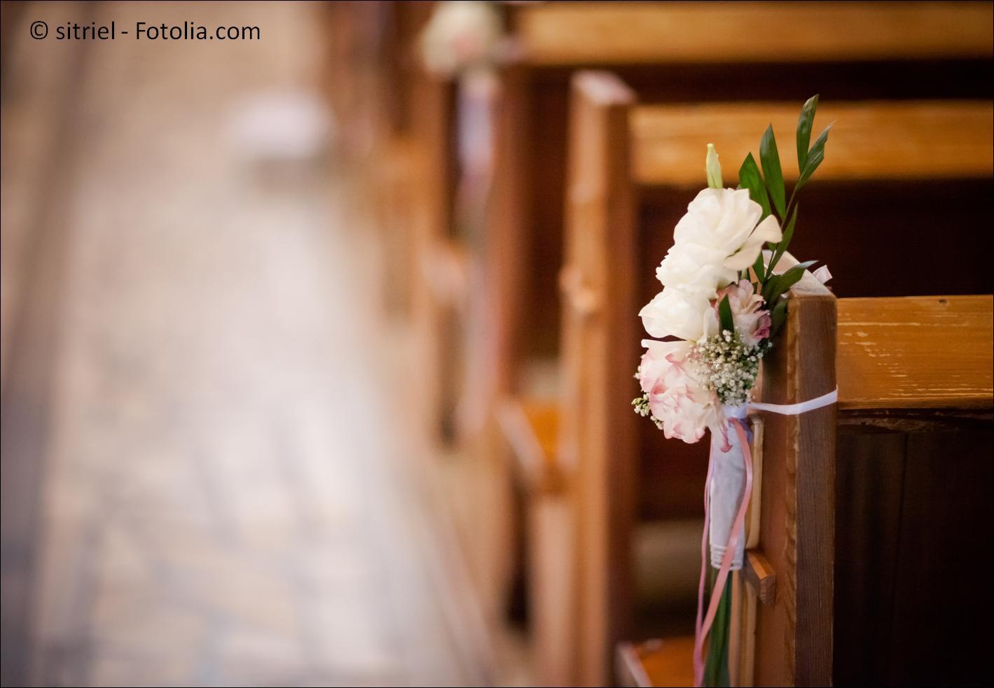 Die passenden Kirchen zur Traumhochzeit finden - © sitriel - Fotolia.com